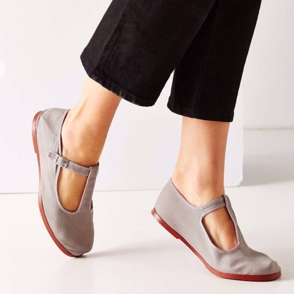 Urban Outfitters Mary Jane Flats. M 5abafe173afbbd500aee02f1